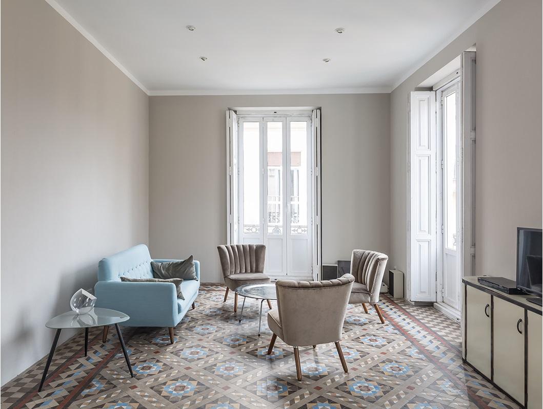 Una vivienda de estilo retro con increibles suelos de mosaico